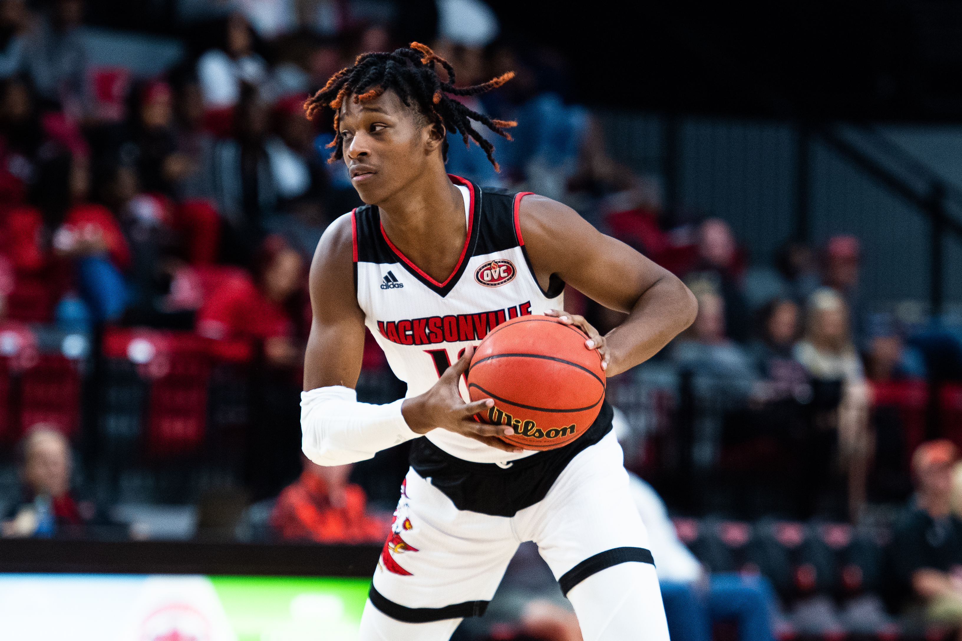 Juwan Perdue in triple threat in a game against Montevallo earlier in the 2019-2020 season. (Courtesy of JSU)