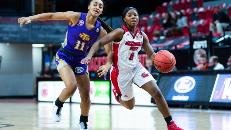 Lady Gamecocks pull ahead against Tennessee Tech after two-game losing streak. (Grace Cockrell/JSU)
